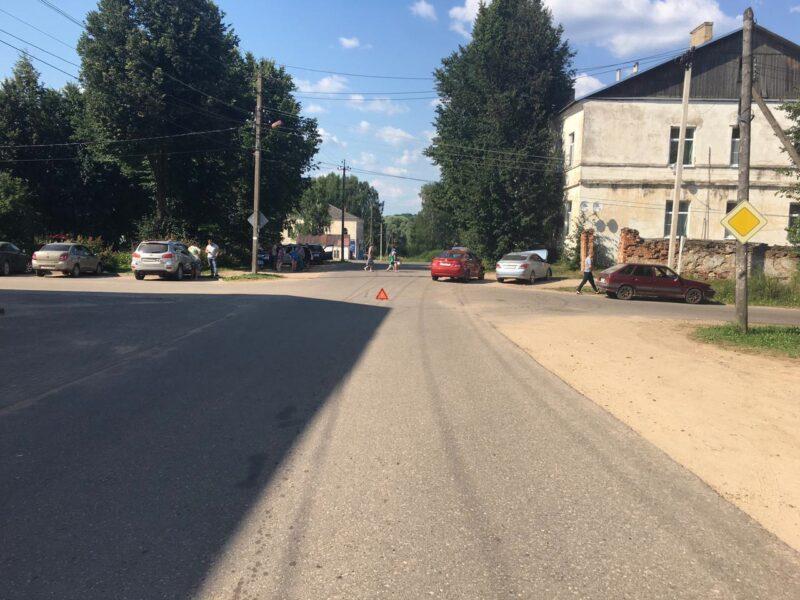 В Тверской области при столкновении двух Hyundai пострадала девушка
