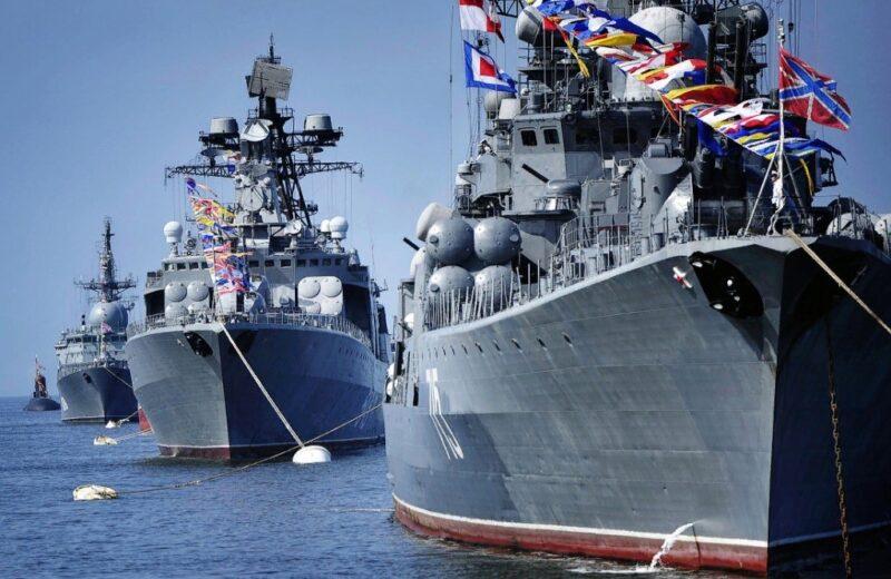 Игорь Руденя поздравил военных моряков с праздником ВМФ