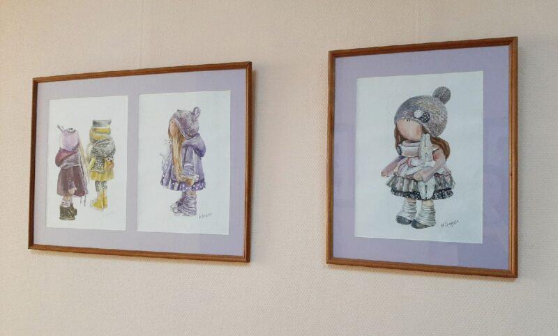 """В библиотеке Герцена продолжает работу выставка """"Мода по-взрослому"""""""