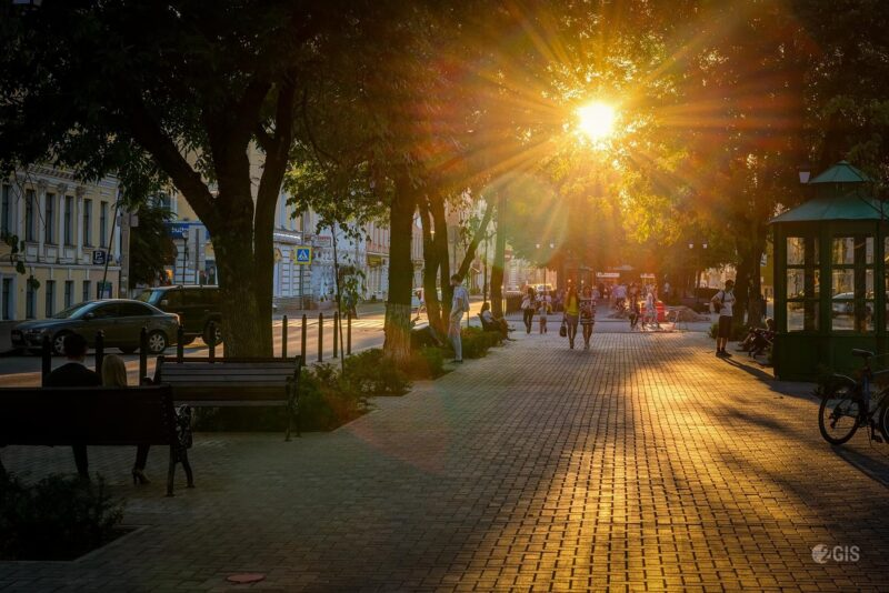 Тверская библиотека Герцена приглашает отметить День города на свежем воздухе