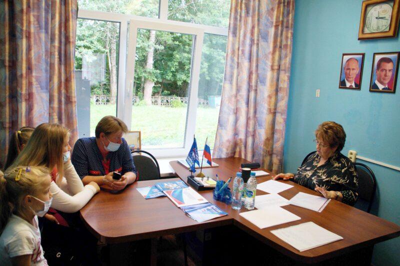 В Пеновском и Андреапольском муниципальных округах прошёл выездной приём граждан