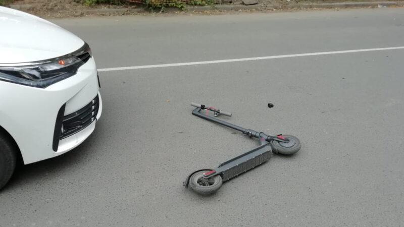 В Тверской области водитель автомобиля сбил 10-летнего мальчика на электросамокате