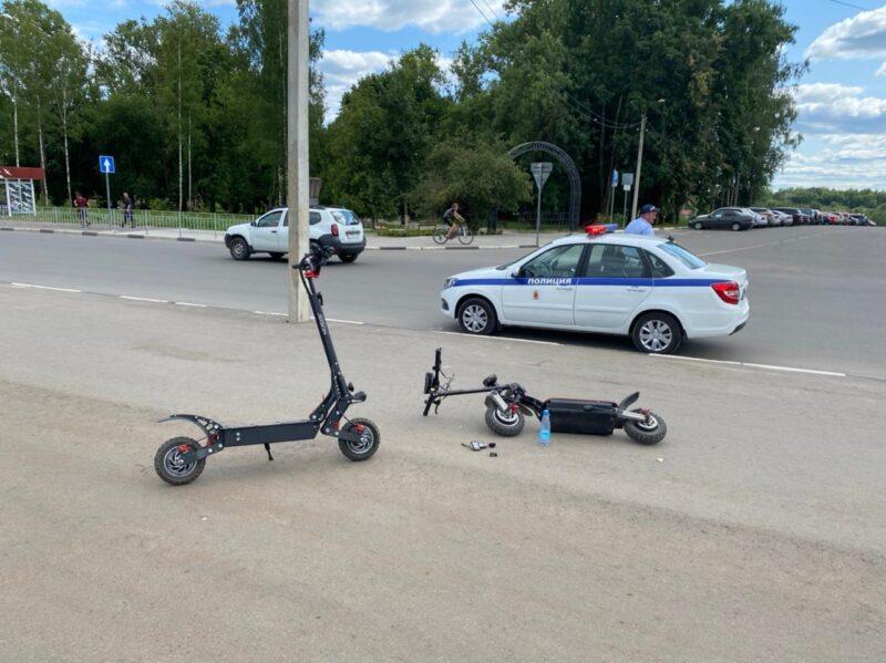 В Тверской области мужчина на электросамокате въехал в дорожный знак