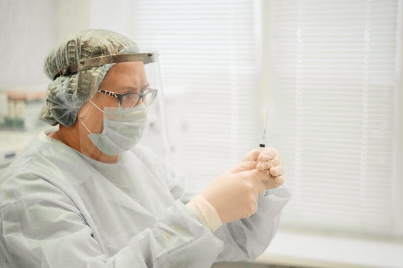 В Тверской области прививку от коронавируса сделали свыше 88 тысяч граждан старшего возраста