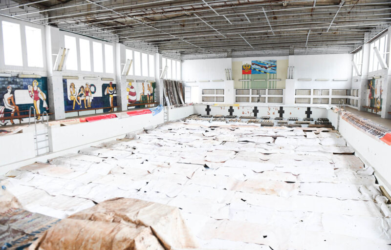 Игорь Руденя осмотрел строящийся спортивный центр по видам гребли и бассейн «Пролетарка»