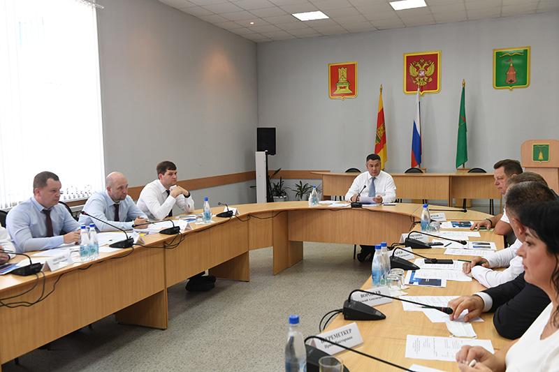 В Торопецком районе глава региона провел совещание по повышению надежности электроснабжения
