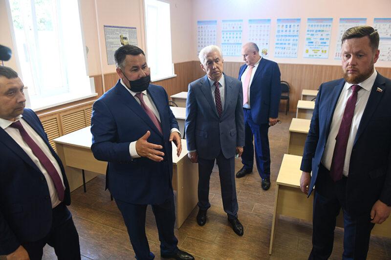 Губернатор Игорь Руденя в Ржеве ознакомился с работой новой модели пассажирских перевозок