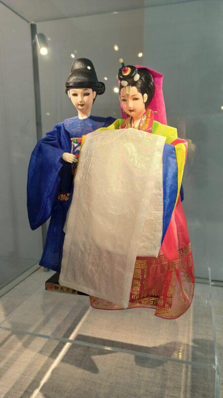 В Твери открылась выставка национального костюма