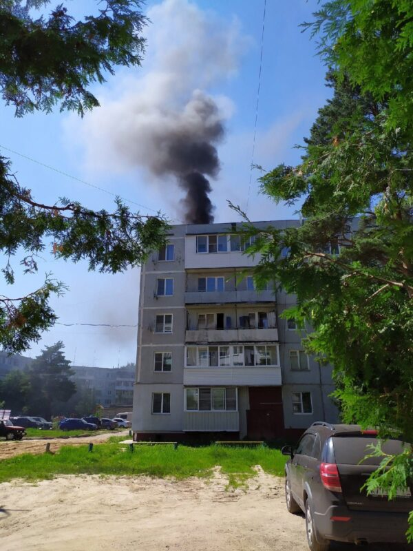В Редкино загорелась крыша жилого дома