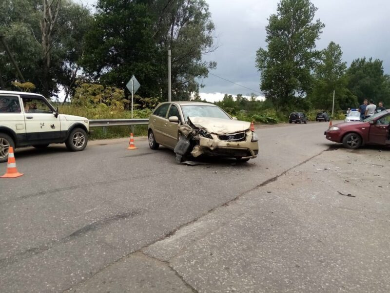 В Тверской области в аварии с тремя автомобилями пострадал 5-летний ребенок