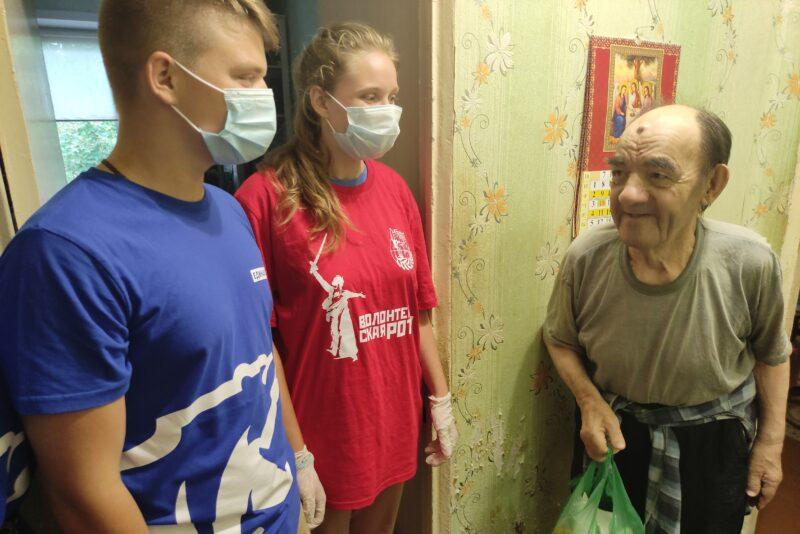 Тверские волонтеры заботятся о старшем поколении