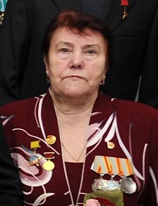 Игорь Руденя поблагодарил Марию Ивановну Воронову за вклад в сохранение трудовых традиций Верхневолжья