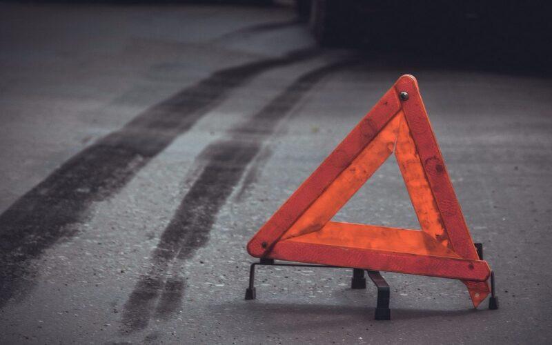 В Твери женщина опрокинулась на мотоцикле и пострадала