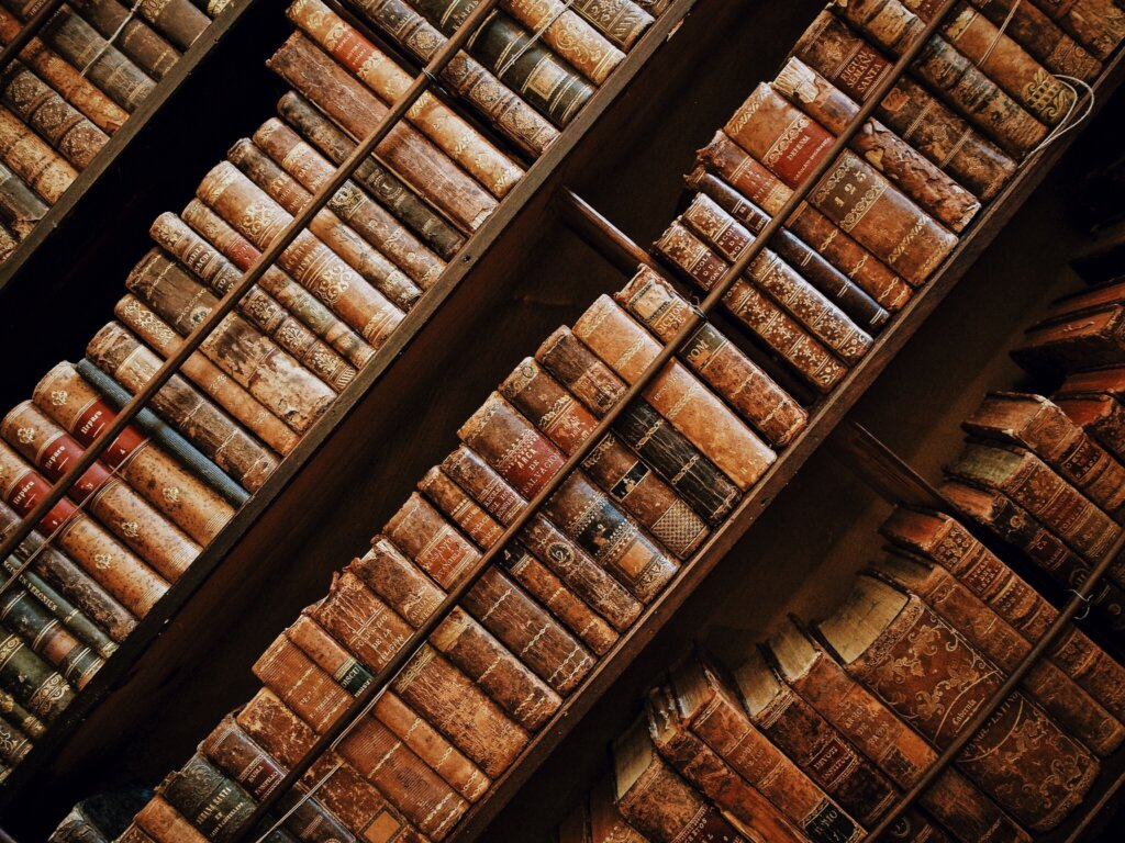 Тверская картинная галерея приглашает на выставку старинных книг