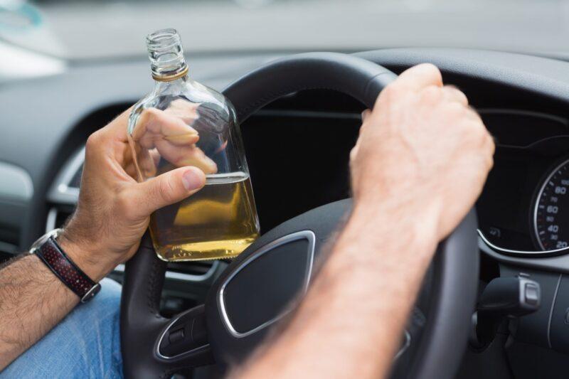 В Твери пьяный мужчина угнал чужой автомобиль, чтобы покататься по городу