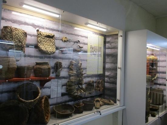 В Андреаполском краеведческом музее оформили новую витрину