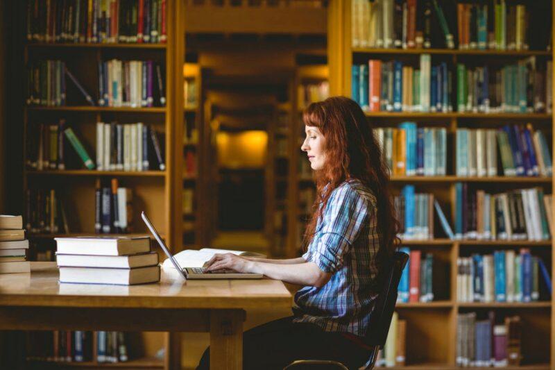 В тверской библиотеке Горького оцифруют уникальные книги