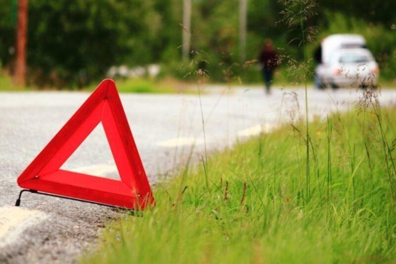 В Тверской области иномарка вылетела в кювет и опрокинулась