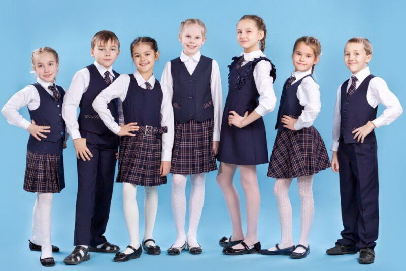 Больше 12 тысяч детей из многодетных семей Тверской области получат бесплатно школьную форму