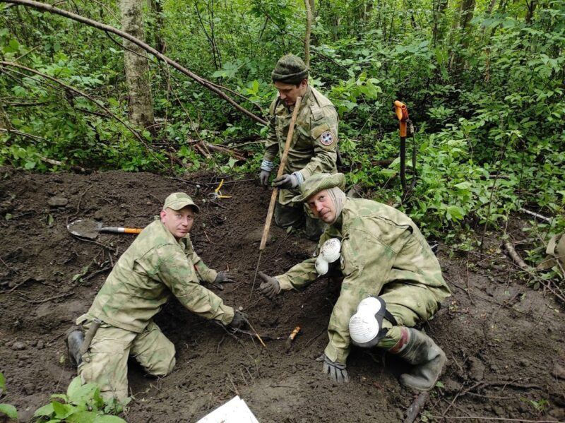 Поисковики обнаружили останки пропавшего без вести на войне тверского солдата