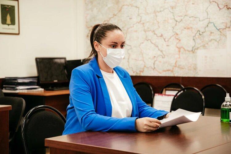 Владимир Васильев и Юлия Саранова представили документы на регистрацию в выборах