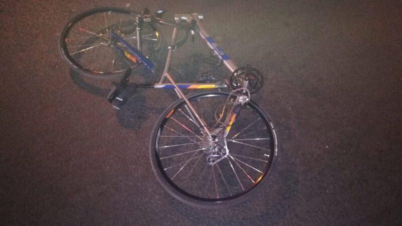 В Заволжском районе Твери иномарка сбила велосипедиста