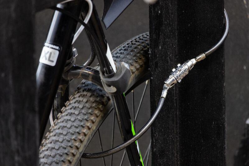 Житель Удомли украл соседский велосипед с лестничной клетки