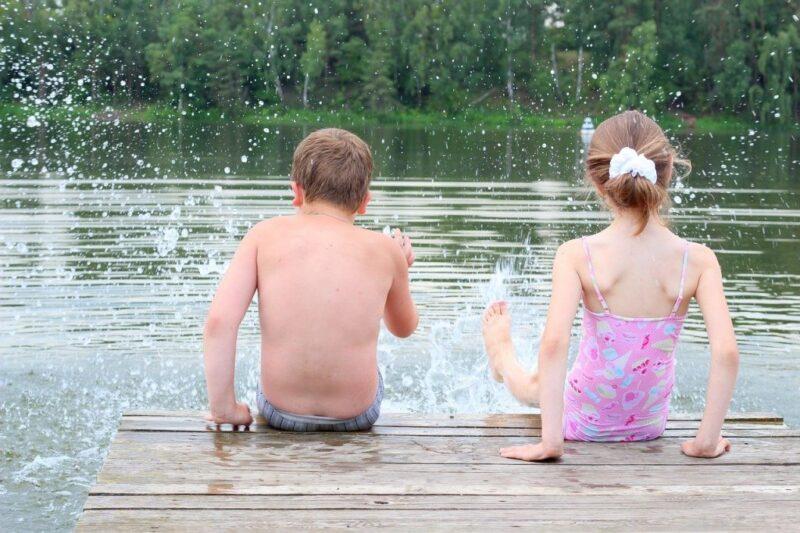 Жителей Нелидово призывают быть внимательными на воде и в лесу