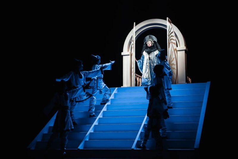 Тверской театр драмы предлагает посмотреть спектакль онлайн