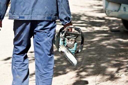 Мужчина украл из дома жителя Ржева бензоинструменты для собственного использования
