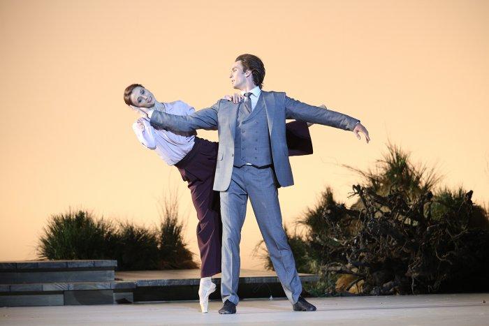 Понятный публике Тригорин: Артемий Беляков о премьере «Чайки» на сцене Большого театра