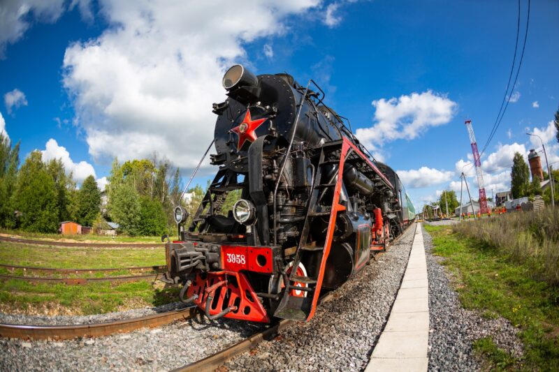 """Ретро-поезд """"Селигер"""" приглашает окунуться в историческую атмосферу летних приключений"""