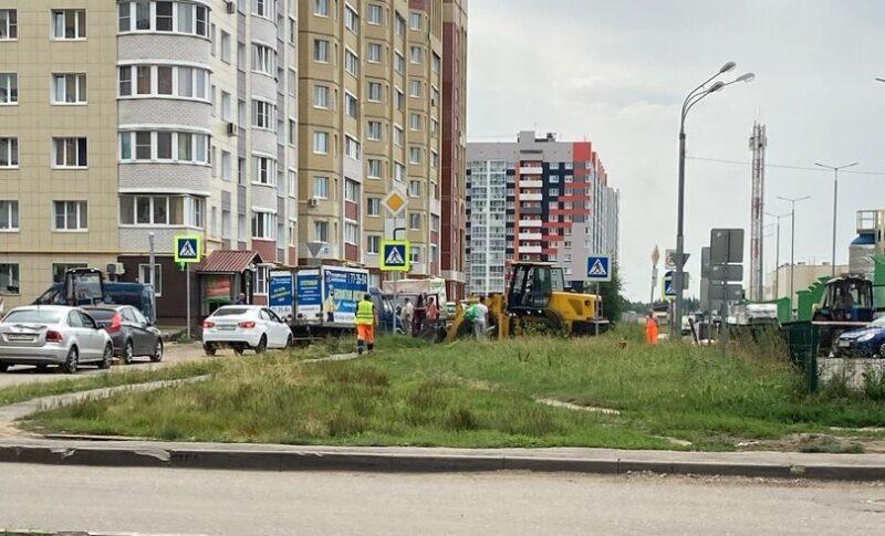 У крупного торгового центра в Твери перекрыли дорогу