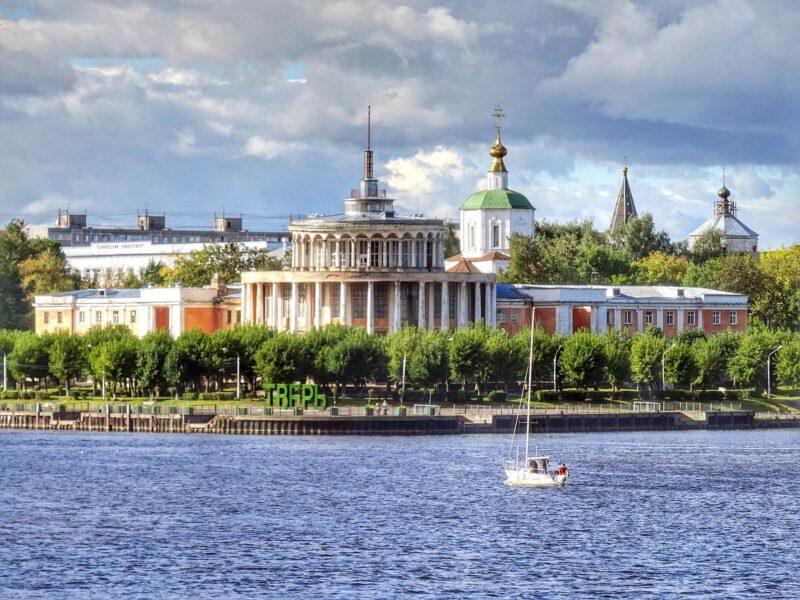 Владимир Путин узнал о первом этапе сбора подписей за восстановление Речного вокзала в Твери