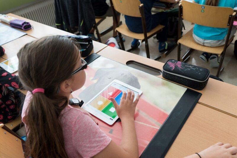 В МегаФоне рассказали, какие смартфоны купили родители пред учебой для тверских школьников