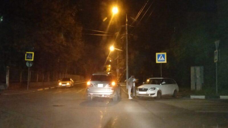 Ночью в Тверской области столкнулись две иномарки