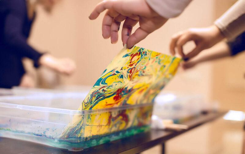 Музей Тверского быта приглашает научиться рисовать на воде
