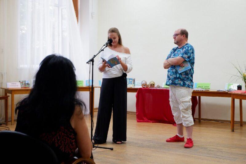 Книжный калейдоскоп: тверские поэты провели литературный вечер в Горьковке