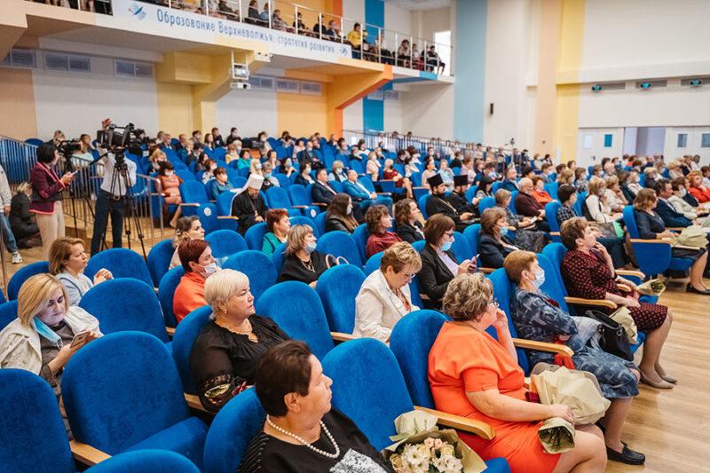 К образовательным инициативам Юлии Сарановой подключились педагоги