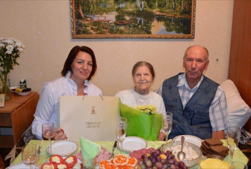 Игорь Руденя поблагодарил 100-летнюю юбиляршу из Кувшиново