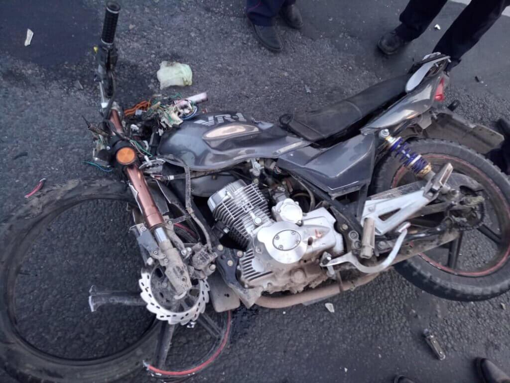 В Тверской области в аварии пострадали мотоциклист и пассажир