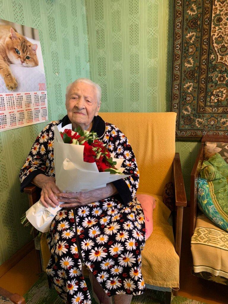 Участница Великой Отечественной войны Валентина Семёнова отмечает столетний юбилей