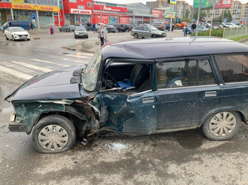 В Тверской области столкнулось сразу три машины