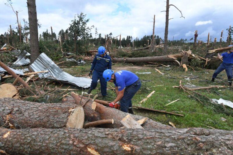 Губернатор поручил приобрести жилье для андреапольцев, дома которых были разрушены в результате стихии