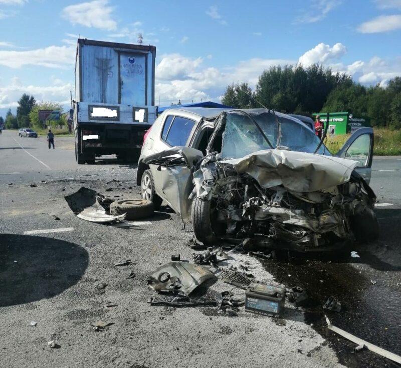 В Тверской области при столкновении двух иномарок пострадали люди