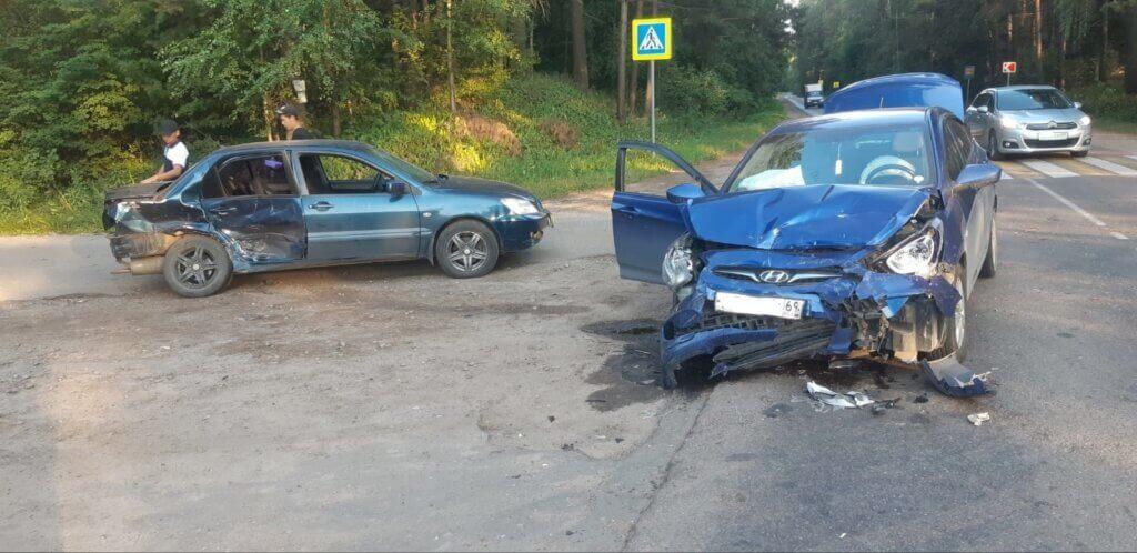 В Тверской области столкнулись две иномарки