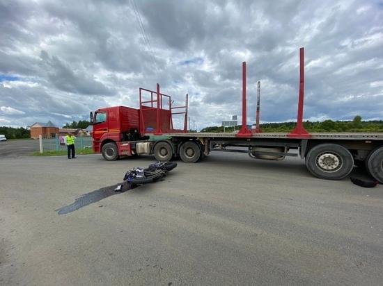В Тверской области мотоциклист нарушил ПДД и сломал обе ноги