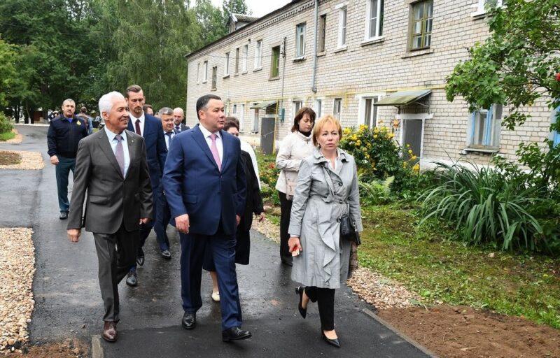 Губернатор Игорь Руденя посетил Мирновскую школу в Торжокском районе