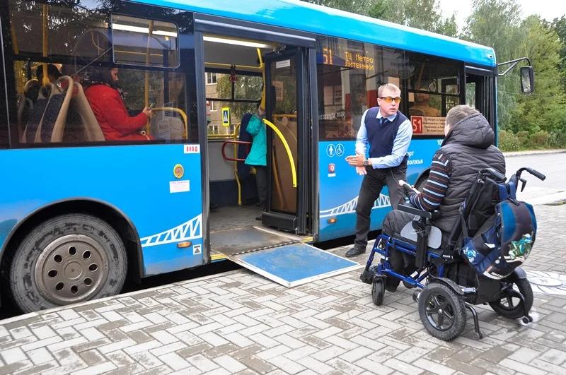 Маломобильные пассажиры в четырех районах Тверской области стали чаще пользоваться городским транспортом