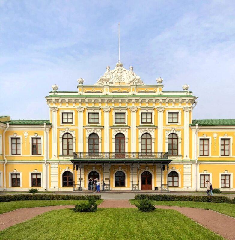 Тверской императорский дворец проводит последние летние экскурсии